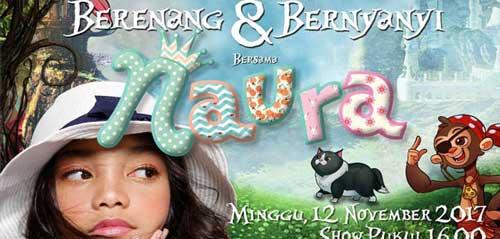 Berenang dan Bernyanyi Bersama Naura
